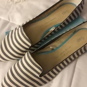 Blue and white pinstripe pointy-toe flats